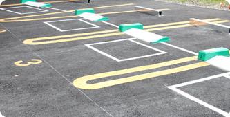 恐れ入りますが、駐車場のご用意がございませんので、駐車場は近隣のコインパークをご利用ください。